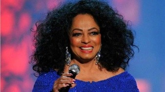 Sale Diana Ross en defensa de Michael Jackson