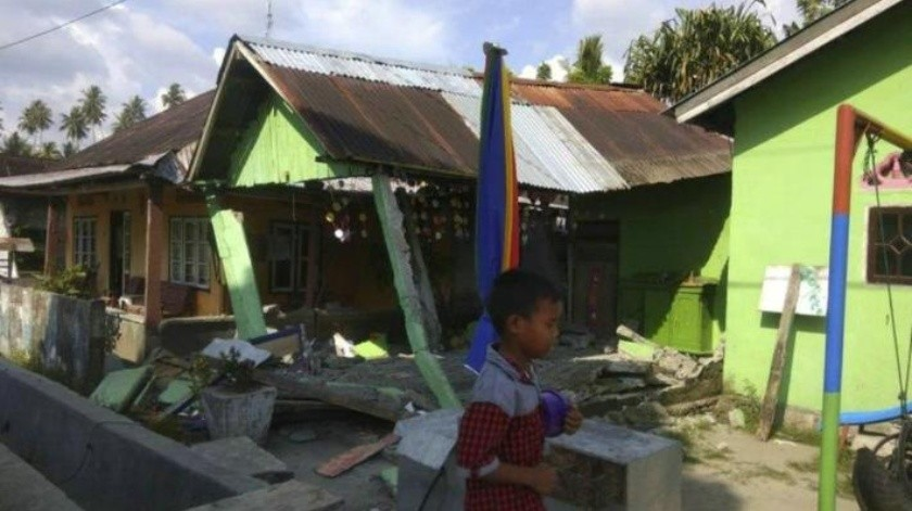 VIDEO: Se registra tsunami tras fuertes terremotos en Indonesia