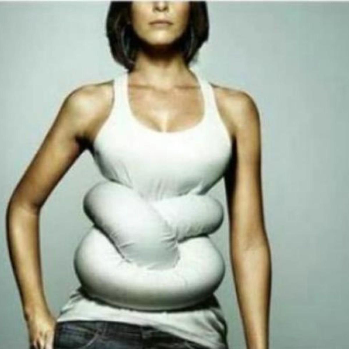 Aliviar el dolor de estómago después de comer demasiado