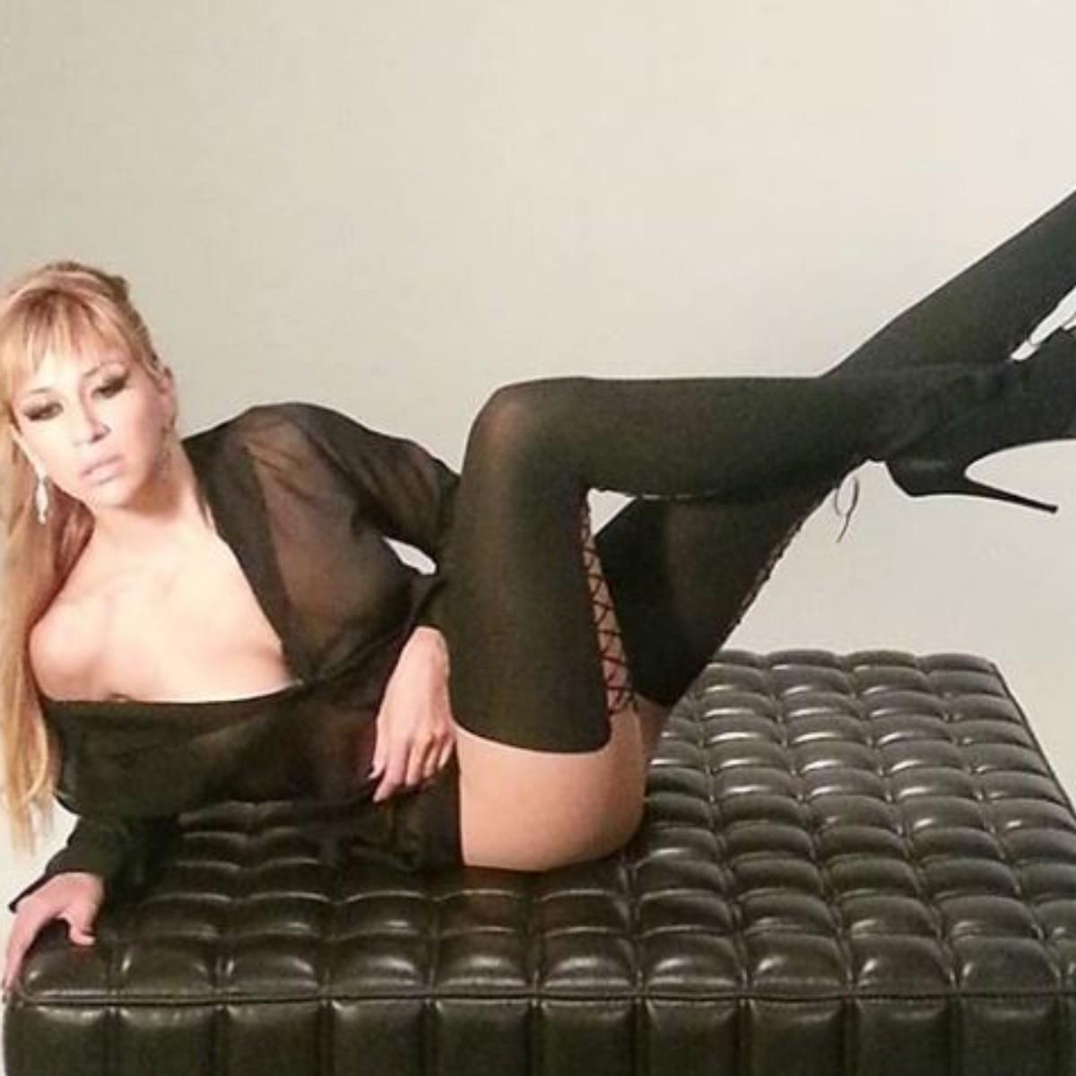 Acytriz Porno Noelia noelia luce casi desnuda en nuevo video musical | el
