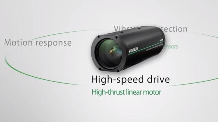 Cámara de vigilancia de Fujifilm puede leer la matrícula de un auto a un kilómetro de distancia(Cortesía)