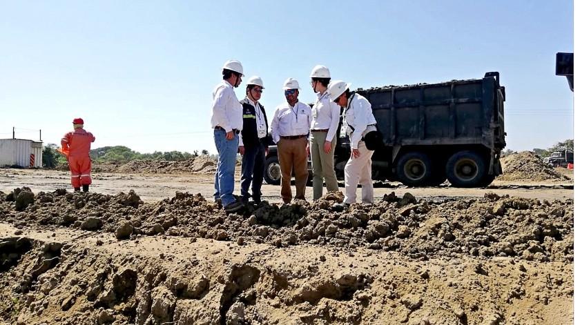 Un equipo de la Agencia de Seguridad, Energía y Ambiente supervisó el predio donde se construirá la nueva refinería.(Agencia Reforma)