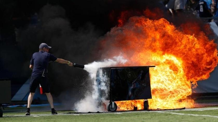 Incendio en la cancha enciende alarmas previo al Titans vs Colts.(Twitter)