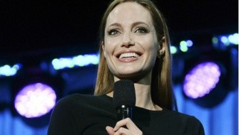 Angelina Jolie es Athena en 'The Eternals'.