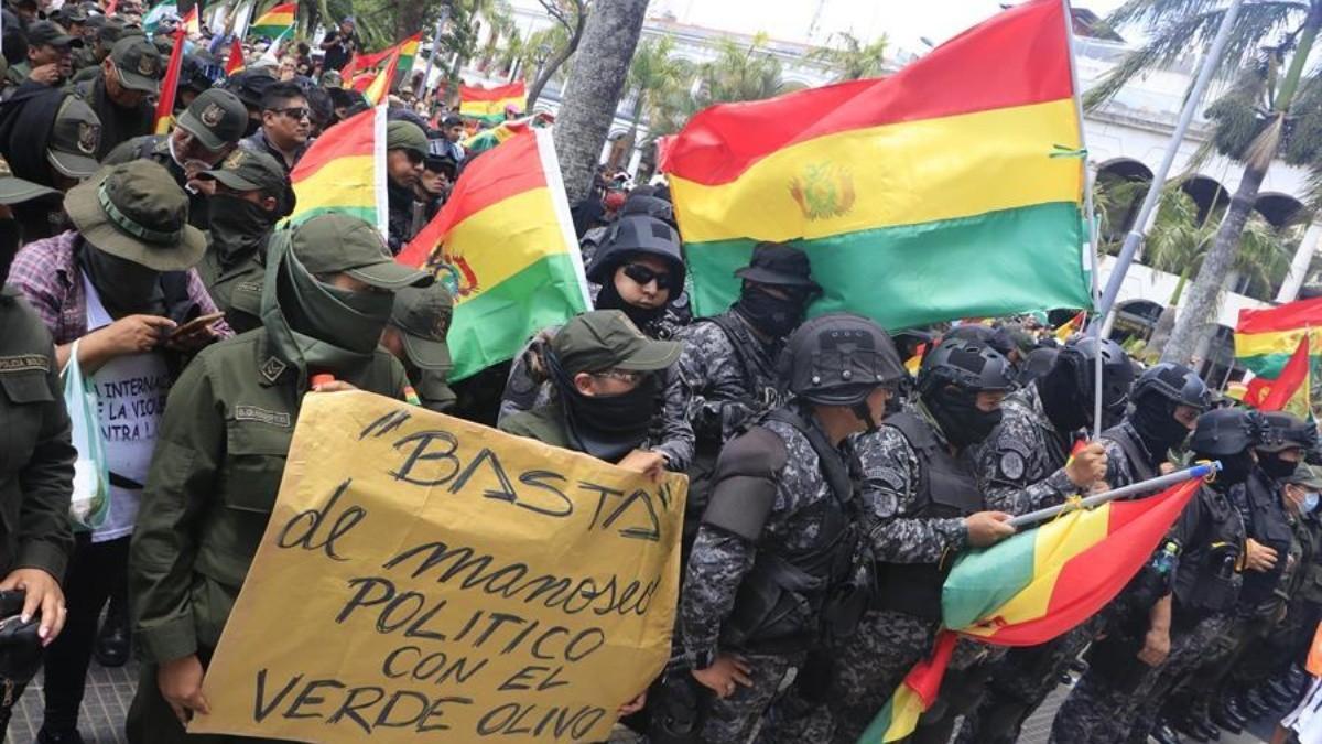 Resultado de imagen para policia bolivia