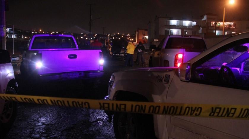 Las víctimas fueron atacadas a balazos cuando se encontraban en un departamento.
