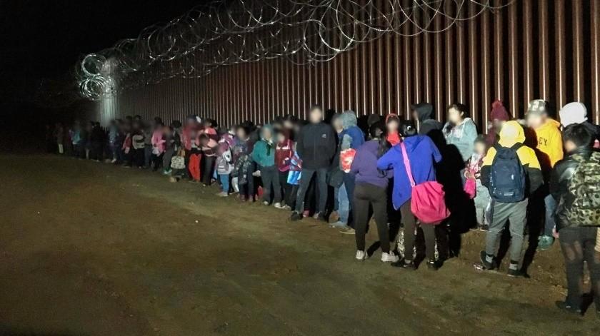 Registran presencia de migrantes en la frontera de Arizona con México(Rubén A. Ruiz)