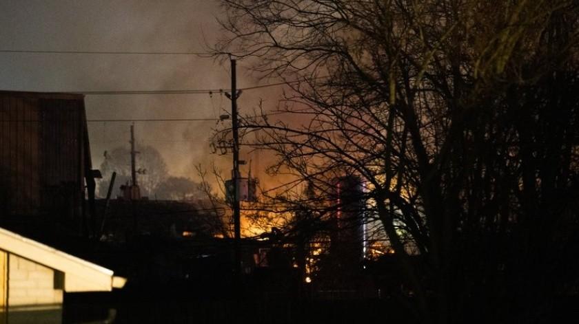 Una fuerte explosión el viernes por la madrugada en el depósito de una empresa industrial en Houston provocó la muerte de dos personas, informó el jefe de la policía local, Art Acevedo.(AP)