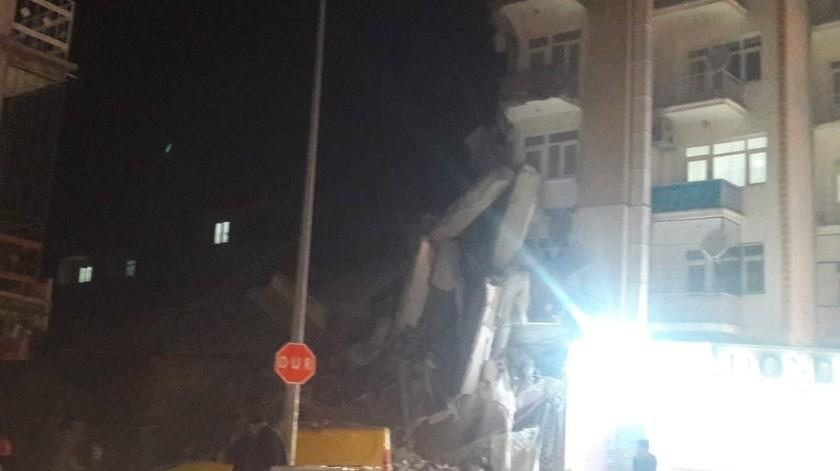 Un sismo de magnitud 6,7 ha sacudido hoy el sureste de Turquía y se ha dejado sentir en amplias zonas del país e incluso en las vecinas Irak y Siria.