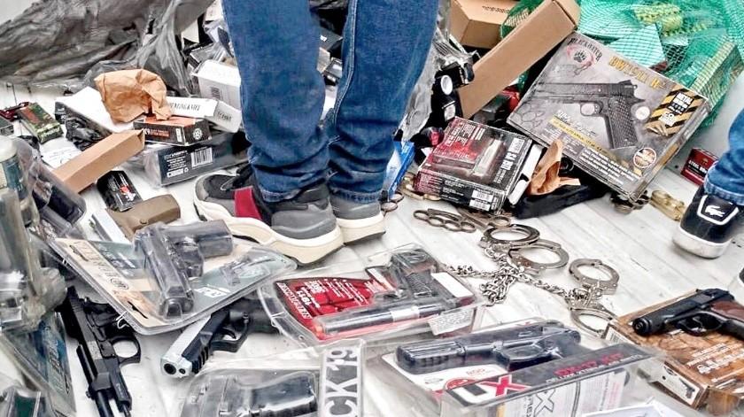 Los operativos en tianguis de la Ciudad de México se realizaron en conjunto por personal de la Secretaría de Seguridad Ciudadana (SSC) y de la Secretaría de Desarrollo Económico (Sedeco).(Agencia Reforma)