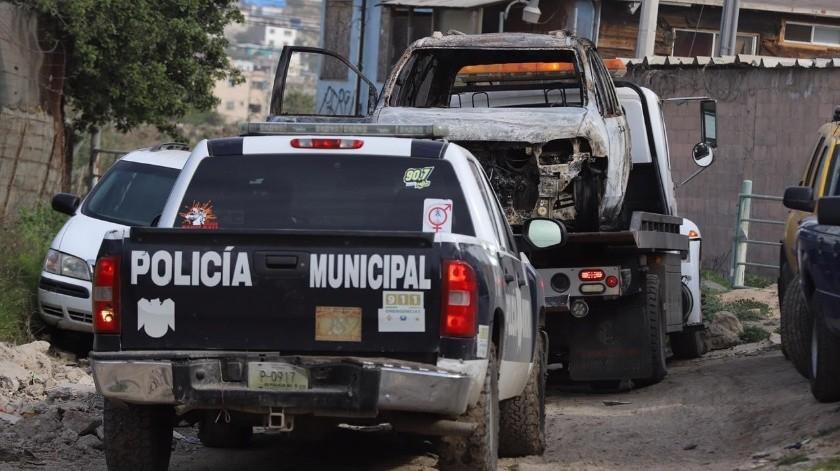 El vehículo fue abandonado en un camino vecinal.(Sergio Ortiz)