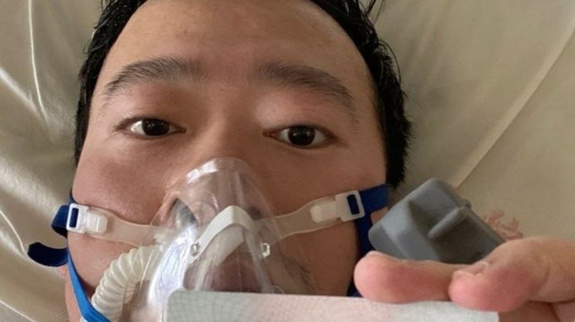 Li Wenliang, fue el doctor que reveló a las autoridades chinas en diciembre del 2019 de que un nuevo virus, similar al SARS, acechaba a la población.