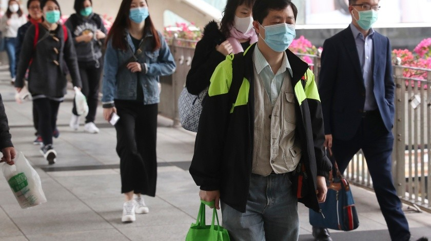 La epidemia de coronavirus se ha confirmado en 28 países, matando a 638 e infectando a más de 31 mil 500.(AP)