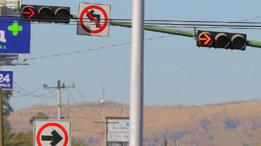 Semáforos en Hermosillo están en malas condiciones.(Archivo)
