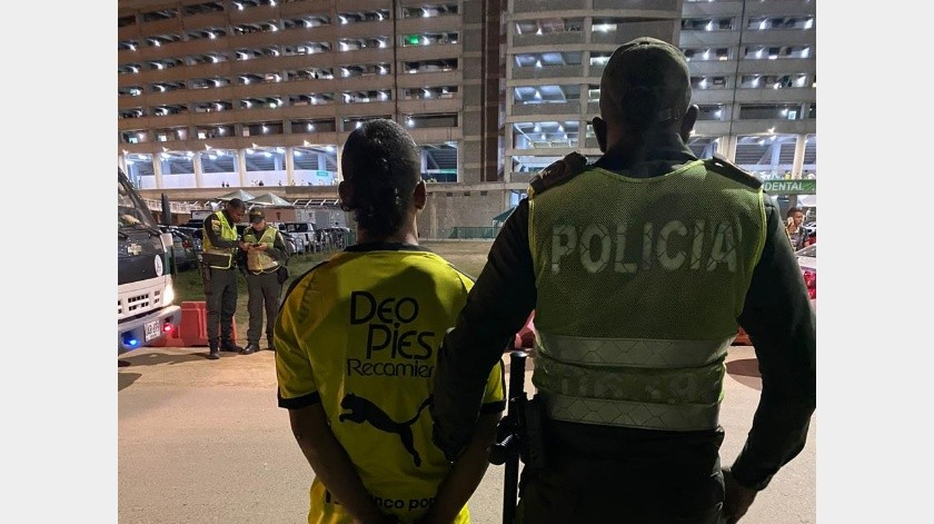 Detienen a presuntos culpables de asesinato de aficionado colombiano.(Twitter/@AlcaldiadeCali)