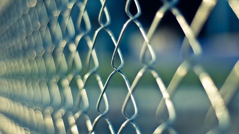 Las prisiones en Bolivia padecen en muchos casos problemas de hacinamiento, con episodios violentos en algunas de ellas.(Pixabay)