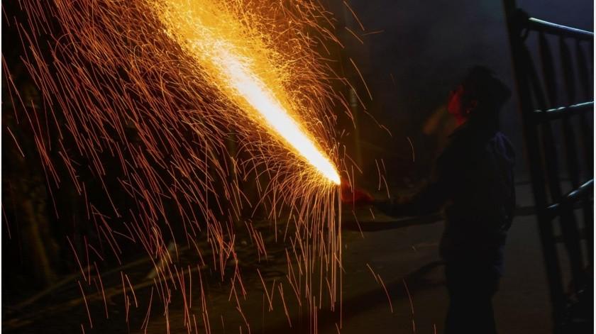 Niegan a chino fiesta por coronavirus y amenaza con prenderse fuego(Pixabay)