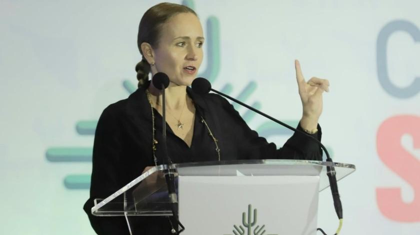Doctora Valeria Moy(Julián Ortega)