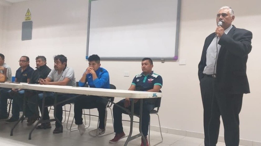 Felipe de la Cruz es uno de los padres de los 43 desaparecidos y quien organizó la visita a Navojoa.(Cortesía)