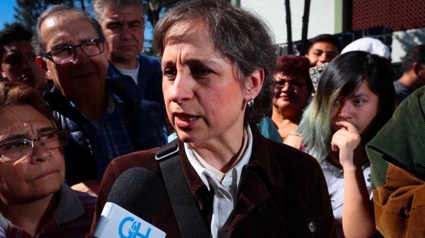 Carmen Aristegui dijo que el presidente López Obrador debería tomar la convocatoria de 'Un día sin nosotras' como una gran oportunidad social.(Archivo)
