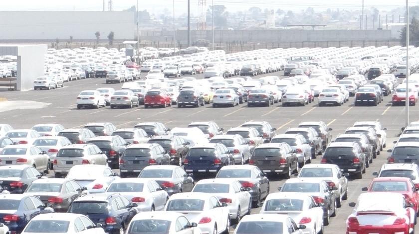 El total de esos vehículos ingresados contrasta con la caída en el volumen de autos nuevos en el País, que fue de 109 mil 199 unidades respecto al 2018.(Agencia Reforma)