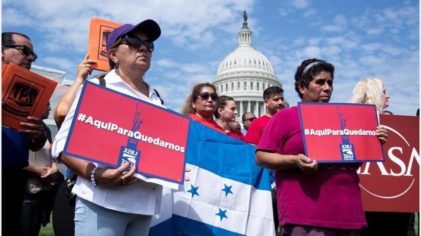 """Veta Trump a inmigrantes que puedan ser """"una carga"""" desde hoy(EFE)"""