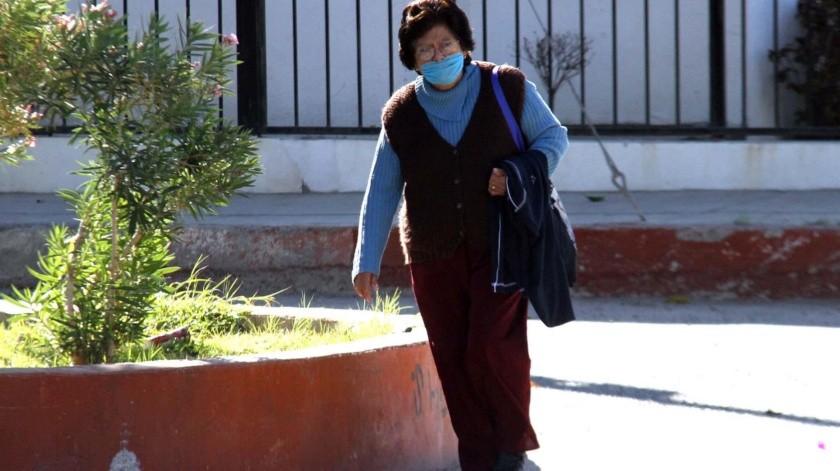 Hermosillenses buscan protegerse y por ello usan cubrebocas en esta temporada en la que se han registrado varios casos de influenza.(Banco Digital)