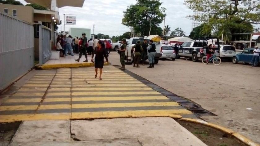 Tres personas han perdido la vida tras suministrarles medicamento contaminado en el hospital regional de Petróleos Mexicano en Villahermosa.(Agencia Reforma)