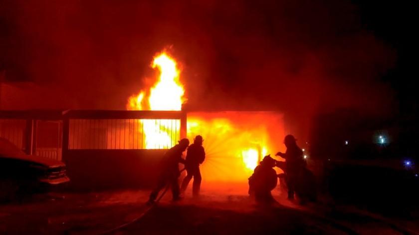 Un incendio se registró en una toma clandestina de Pemex(Twitter)