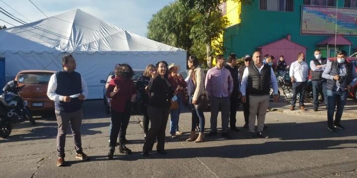 Araceli Brown y sus seguidores se manifiestan contra recuento de votos