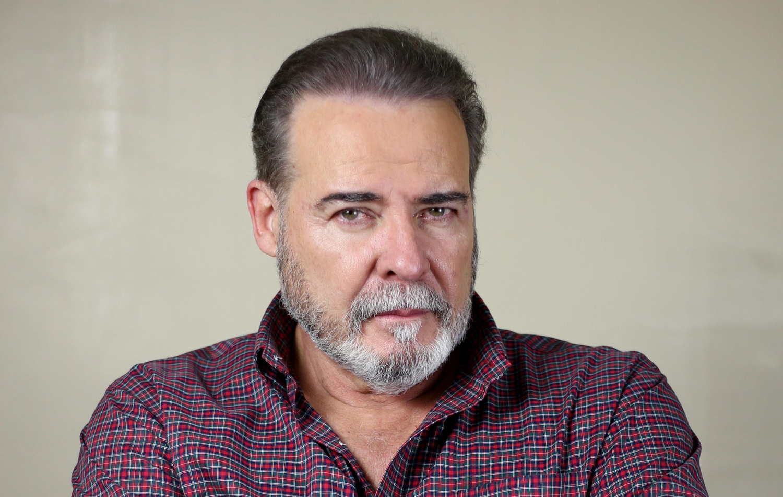 César Évora se pone en sus zapatillas | ELIMPARCIAL.COM