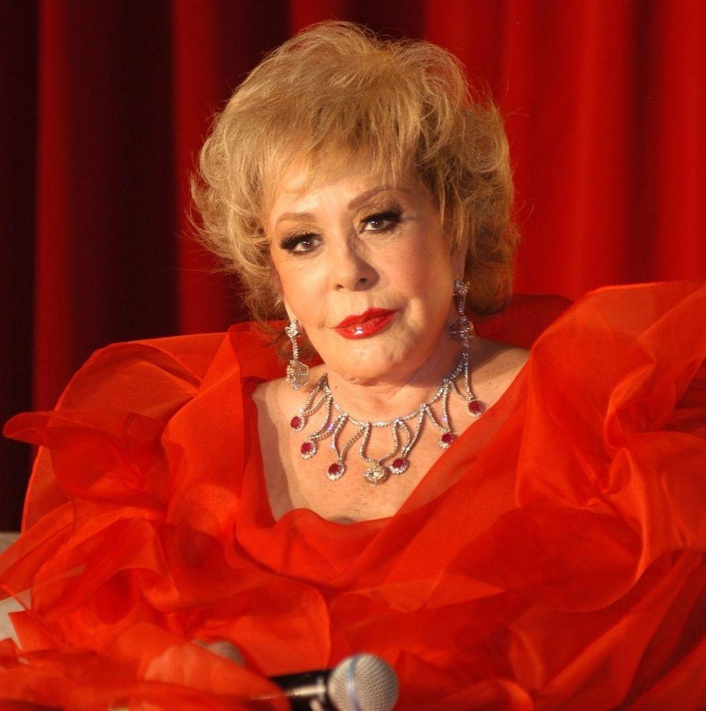 Silvia Pinal quiere que Luis Miguel le cante en su funeral